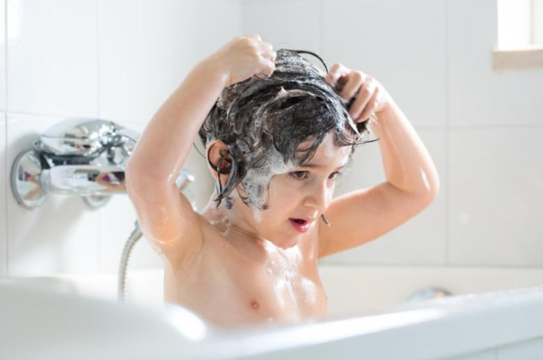 șampon antipăduchi cu extract de neem